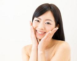 透明感のある肌の女性